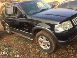 mm Ug Ford Explorer auto Petrol