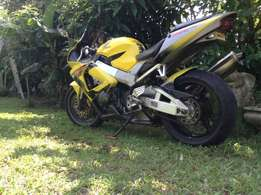 Honda cbr929rr in excellent condition.