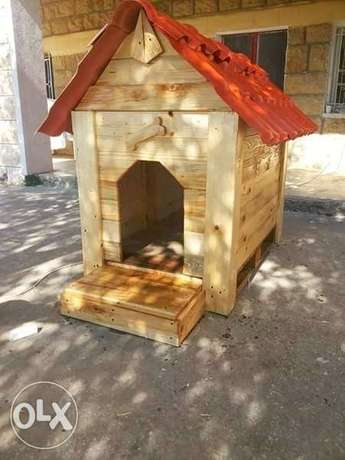 Dog house handmade from recycle wood