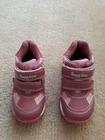e6416dfbe2b197 Дитячі весняно-осінній кросівки: 300 грн. - Дитяче взуття Луцьк на Olx