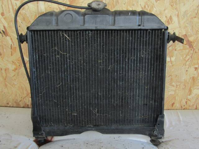 Mercedes-Benz radiator 508/608 - 1985