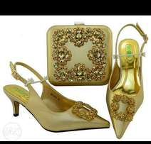 Shoe and clutch set
