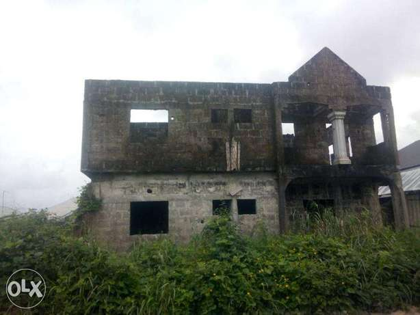 6 Flats of Semi Develped Property Behind the OAKS Hotel, Ughelli North - image 2