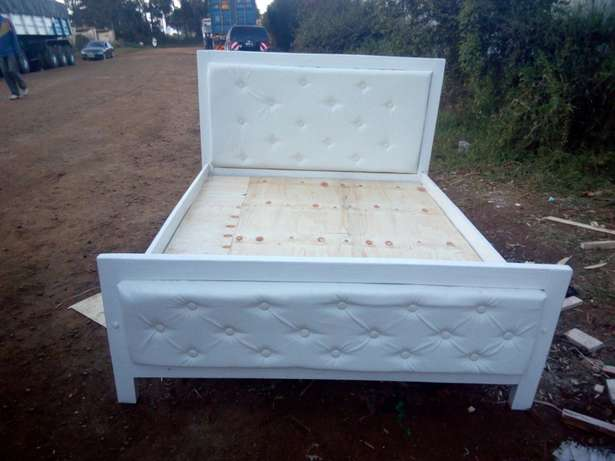 5by 6 leather bed Eldoret North - image 3