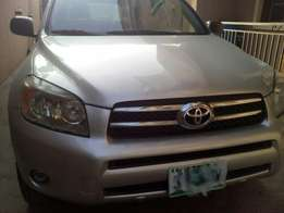 Super clean and neat 2008 Toyota Rav4 SUV at give away price