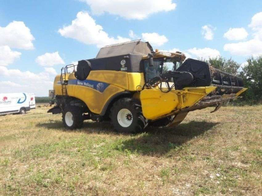 New Holland Cx 8080 Elevation - 2013