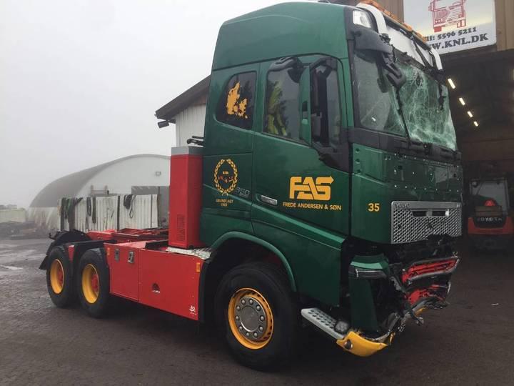 Volvo Fh4 Fh16 650 Hp 6x4 Euro 6 *damaged* - 2015