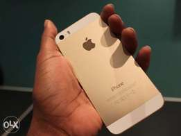 iPhone 5s 32GB with back cover and screen protect