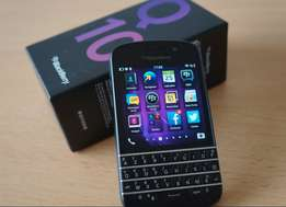 Like New in Box, In mint condition Blackberry Q10 with all accessories