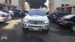Mercedes Benz ML350 4 MATIC Engine and Body of Car in Excellent Condit