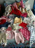 baby clothes newborn to 6months and blankets