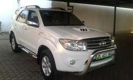 2010 Toyota Fortuner 3.0 D-4D Automatic 166000km Service History