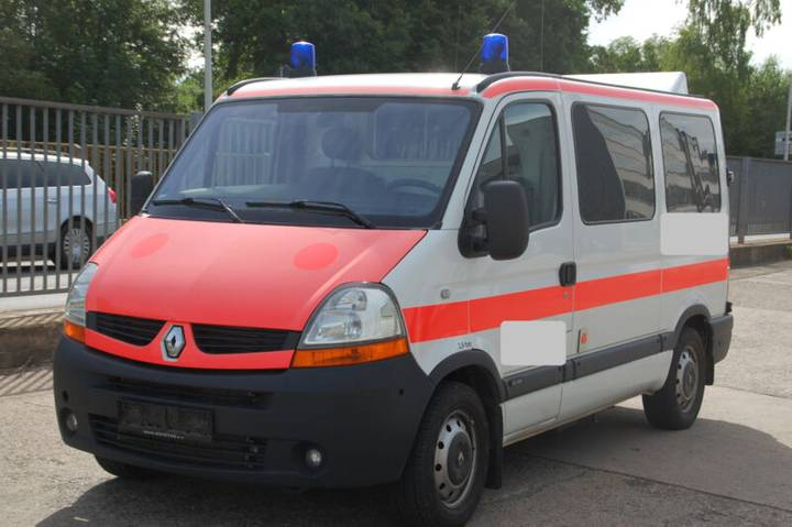 Renault Master Ambulanz Mobile inkl. Trage und Stuhl - 2009