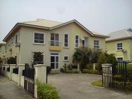 4 BEDROOM DUPLEX WITH BQ AT Northern Foreshore, Chevron, Lekki.