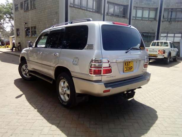 Toyota Landcruiser Vx 2005 Model In immaculate Condition Karen - image 2