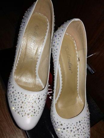 Туфлі білі весільні.Туфли белые свадебные.  600 грн. - Жіноче взуття ... 7835dd93092e0