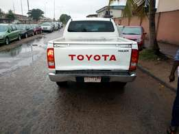 Super neat registered 2008 model toyota hilux with diesel engine.