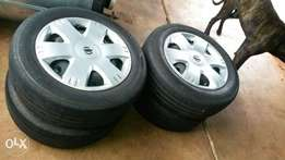 Nissan NP200 rims with tyres