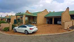 Chancliff 2 x bed Cluster * 2 x Bath * 2 x garages R975 000