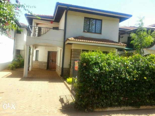 Hse for sale elgon view on half an acre Eldoret South - image 1