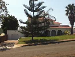 Beautiful mansion of a house for sale in king Williams town