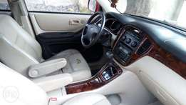 Very clean Toyota highlander 4wd limited for sale at Okota