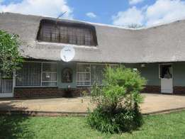 9 Ha Farm in the Magaliesberg nature reserve area With a comfortable h