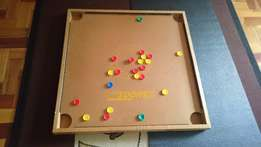 Fingerboard game in good condition - with chips