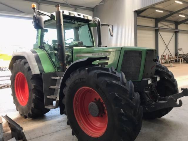 Fendt 824 Favorit - 1999