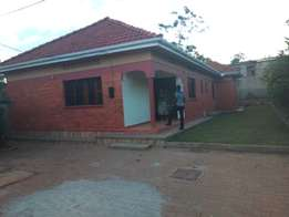 3bedroom stand alone house for rent in biwate