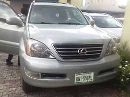 Three Months old 2005 Model GX470 with Reverse Camera