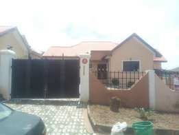 A well maintained 3bedroom bungalow/bq 4rent in suncity estate