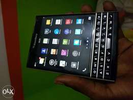 BlackBerry Passport 4G LTE 3GB RAM 32GB 13mp 3450mah battery sell swap
