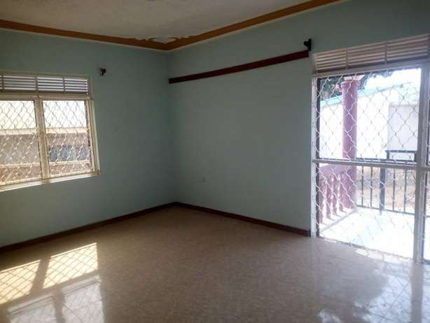Near main 3 bedroom stand alone house for rent in Kiira at 500k Kampala - image 7