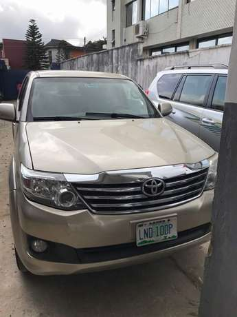 2012 reg fortuner..first body Lagos Mainland - image 1