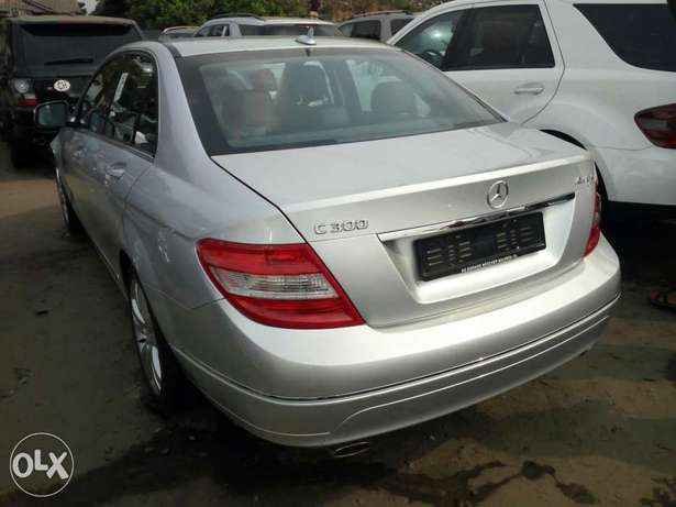 Foreign used 2008 Mercedes-Benz C300. Direct tokunbo Lagos Mainland - image 6