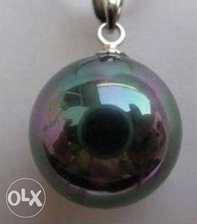 Huge 16mm Black AB Sea Shell Pearl Pendant Available For sale