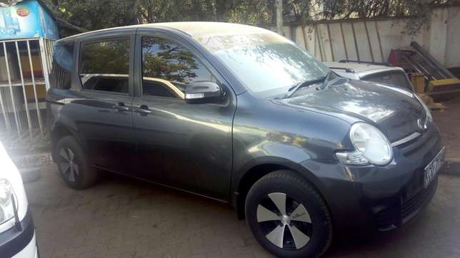 Toyota Sienta 2009 very clean in super condition Nairobi CBD - image 5