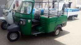 Tuktuk 3.front, sideways and back.