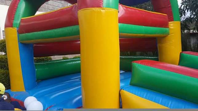 Bouncing bouncy castle for Sale Nairobi West - image 2