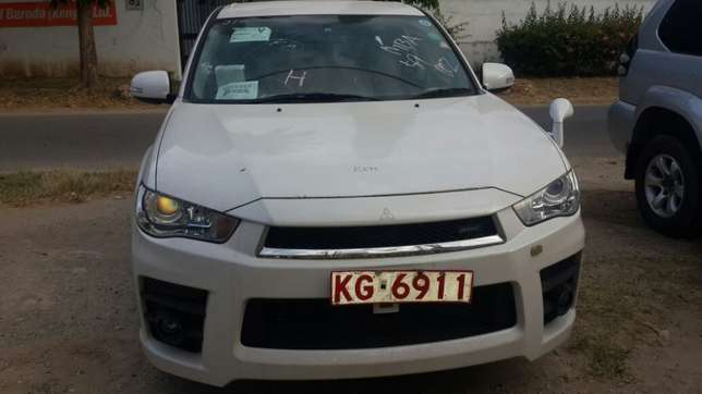 Mitsubishi Outlander Roadest KCN number 2010 model loaded with all Mombasa Island - image 3