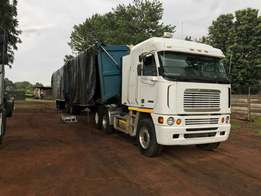 Freightliner 2004 and Side Tipping 34 tons trailer