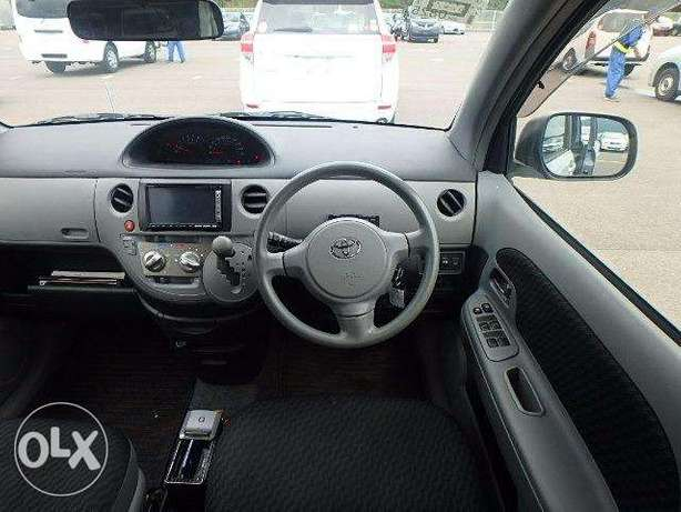 Toyota Sienta in Nairobi genuine low mileage Parklands - image 3