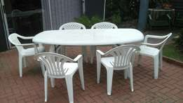 Table and 6 chairs garden