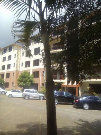 Executve 3 bedroom apartment with Dsq ,and Swimming pool Lavington - image 1