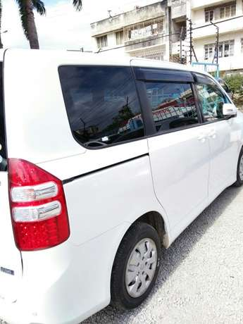 New Shape Valvematic Noah with fully fitted 8 head rests Mombasa Island - image 4