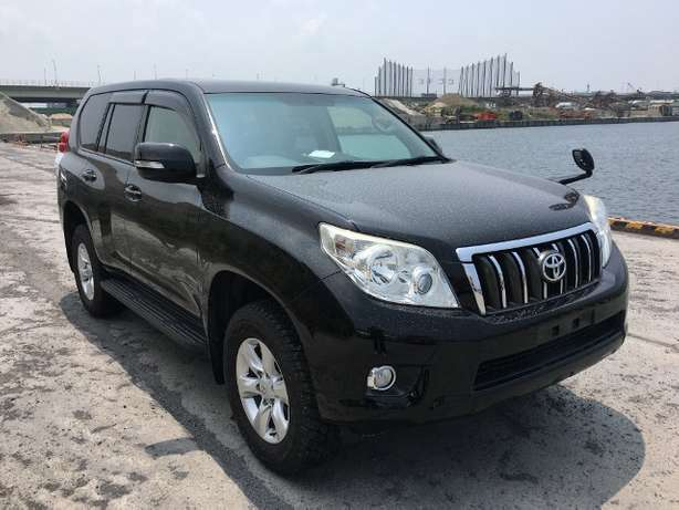 Toyota Prado land cruiser KCM number 2010 model loaded with alloy Mombasa Island - image 7