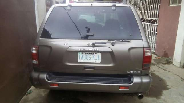Clean Nissan Pathfinder Jeep for saler Isolo - image 1