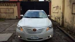 Less than 2yrs used 2007 Toyota Camry XLE