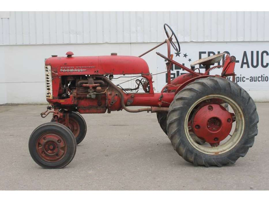 McCormick International Farmall FF Cup Tractor *DEFECT* - image 2